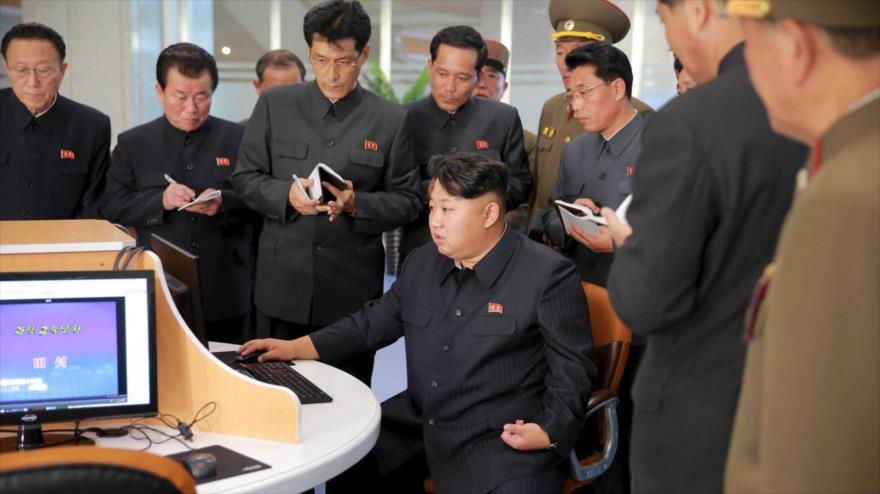 El líder norcoreano, Kim Jong-un, en el complejo Sci-Tech en Pyongyang (capital de Corea del Norte). (Foto: KCNA)