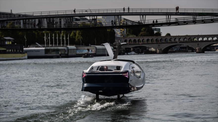 """El """"Bubble"""", un taxi acuático para atravesar París"""
