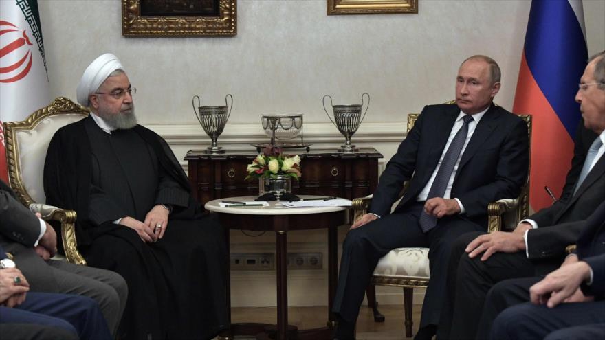 El presidente de Irán, Hasan Rohani, reunido con su par de Rusia, Vladimir Putin, en Ankara, la capital turca, 16 de septiembre de 2019. (Foto: AFP)