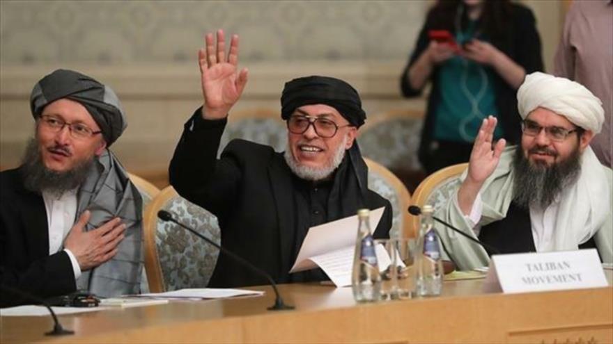 Representantes de Talibán en una visita a Moscú, capital rusa.