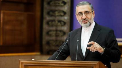 Irán detiene a 3 australianos por cargos de espionaje