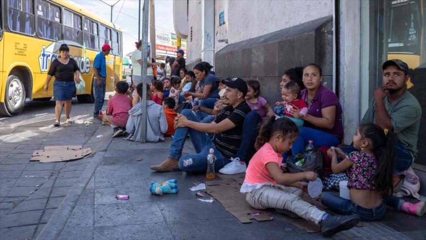 Migrantes demandan al Gobierno de Trump por violar sus derechos | HISPANTV