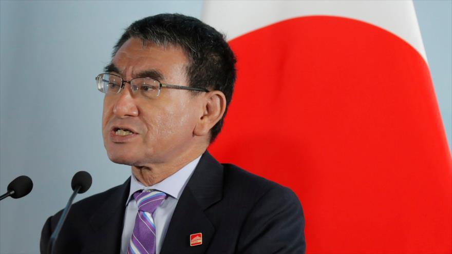 El entonces canciller y actual ministro de Defensa de Japón, Taro Kono, en una rueda de prensa celebrada en Pekín, la capital china, 21 de agosto de 2019. (Foto: AFP)