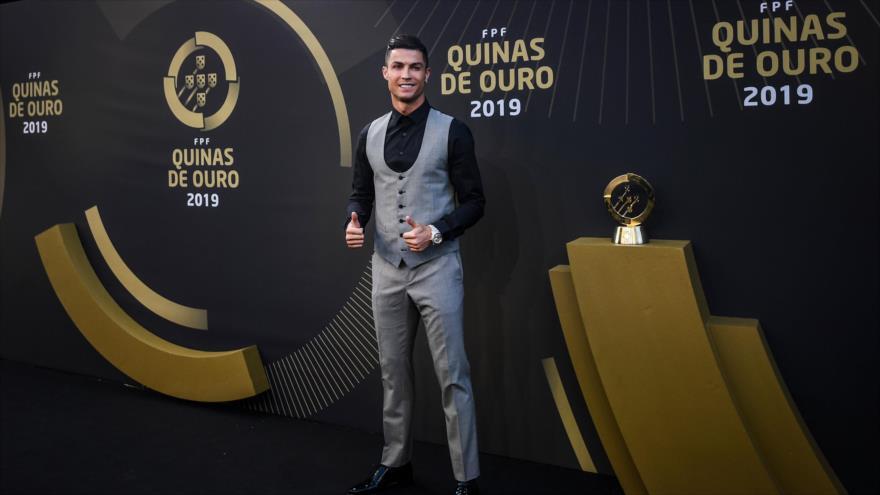 """Cristiano Ronaldo en la ceremonia de """"Quinas de Ouro"""" de Portugal, donde fue distinguido como Jugador del año, 2 de septiembre de 2019. (Foto: AFP)"""