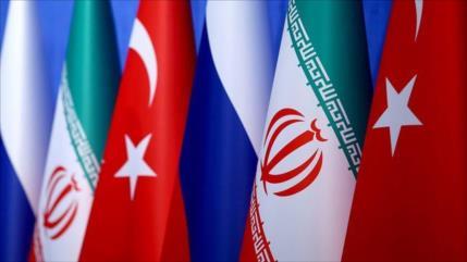 Irán, Rusia y Turquía buscan deshacerse del dólar y evitar SWIFT