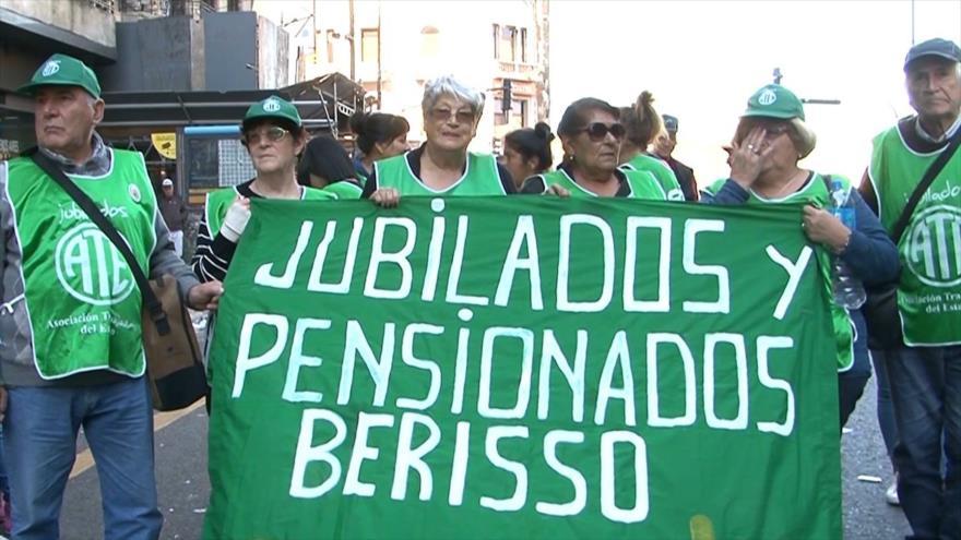 Macri utiliza el fondo de los jubilados para pagar bonos