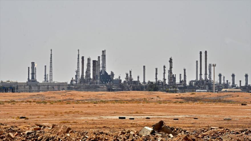 Una instalación petrolera de Aramco, en el sur de Riad, la capital de Arabia Saudí, 15 de septiembre de 2019. (Foto: AFP)