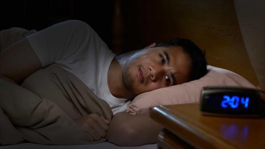 Científicos alertan de riesgos de mantenerse despierto de noche