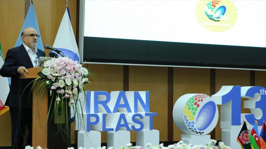 El director gerente de la Compañía Petroquímica Nacional de Irán, Behzad Mohammadi, en una feria en Teherán, 22 de septiembre de 2019. (Foto: SHANA)