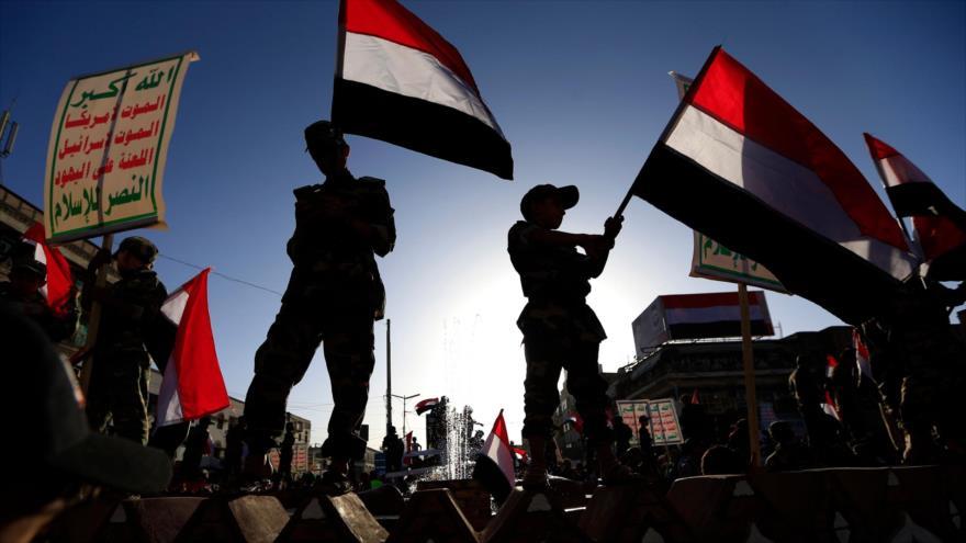 Miembros del movimiento popular yemení Ansarolá en una manifestación en Saná, capital, 21 de septiembre de 2019. (Foto: AFP)
