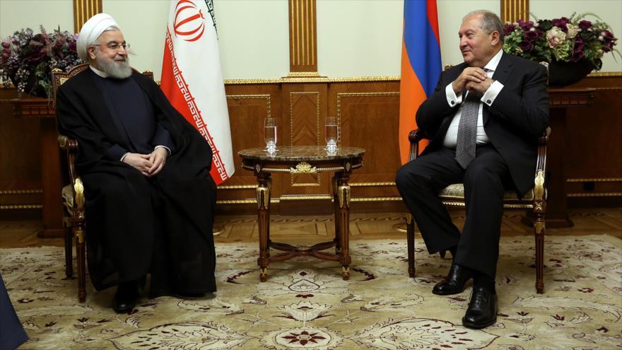 Rohani: Desarrollar relaciones con vecinos es prioridad de Irán | HISPANTV
