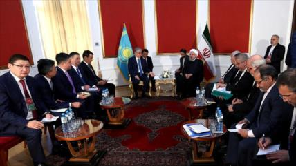 Irán rechaza la presencia foránea en mar Caspio y Golfo Pérsico