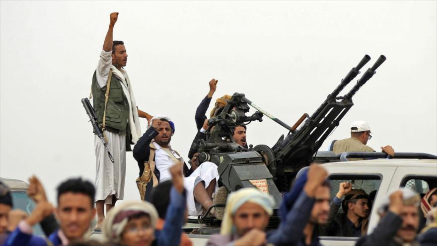 Combatientes del movimiento popular yemení Asnarolá en Saná, la capital.