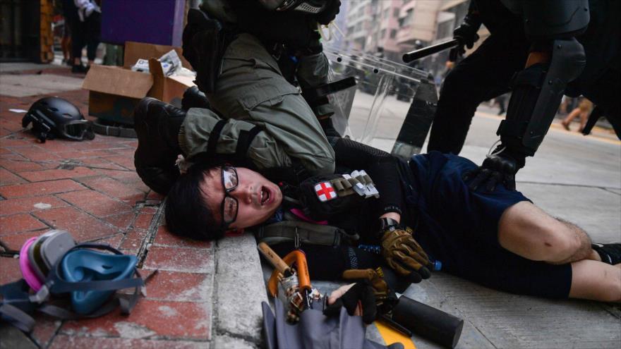 Represión policial en Hong Kong empaña 70 aniversario de China | HISPANTV