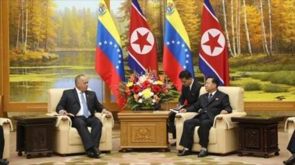 Venezuela y Corea del Norte firman acuerdos en materia militar