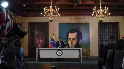 """Venezuela anuncia """"grandes"""" acuerdos con Corea del Norte"""