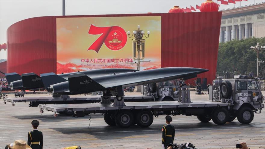 China presenta su dron hipersónico WZ-8 durante un desfile militar organizado en Pekín, la capital china, 1 de octubre de 2019.