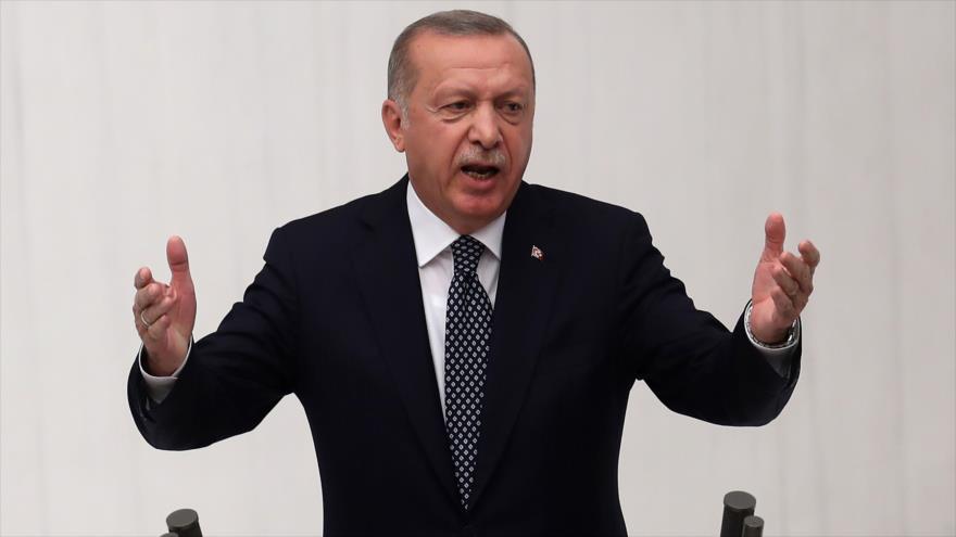 Erdogan reitera amenaza de lanzar operación contra kurdos en Siria