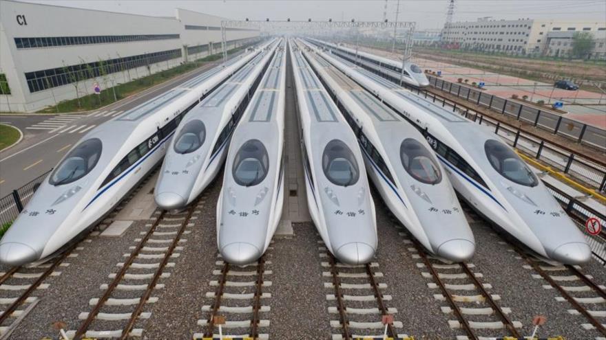 China pretende fabricar trenes bala que viajen aún más rápido gracias a la levitación magnética.