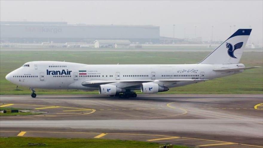 Un Boeing 747 de la compañía aérea Iran Air, en el aeropuerto del Imam Jomeini, cerca de Teherán, capital persa.