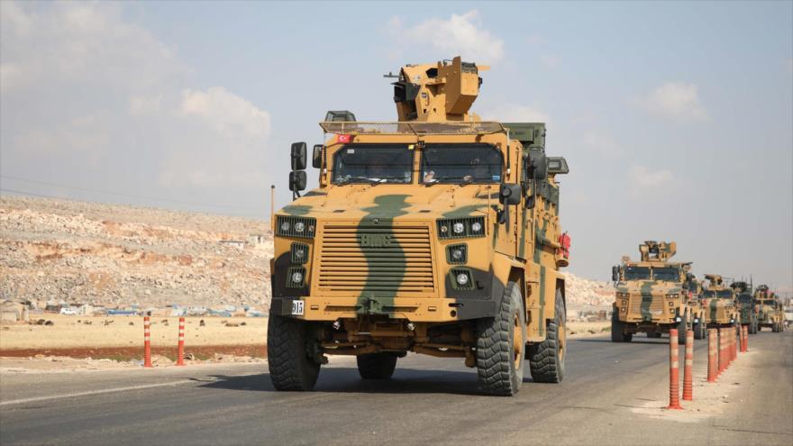 Vídeo: Turquía refuerza despliegue militar en la frontera siria | HISPANTV