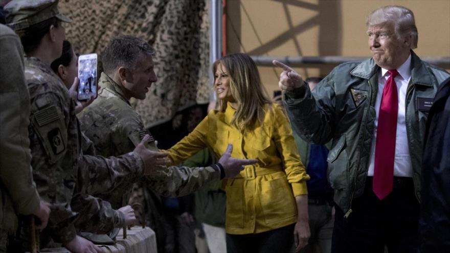 El presidente de EE.UU., Donald Trump, visita una de las bases estadounidenses en el territorio iraquí.