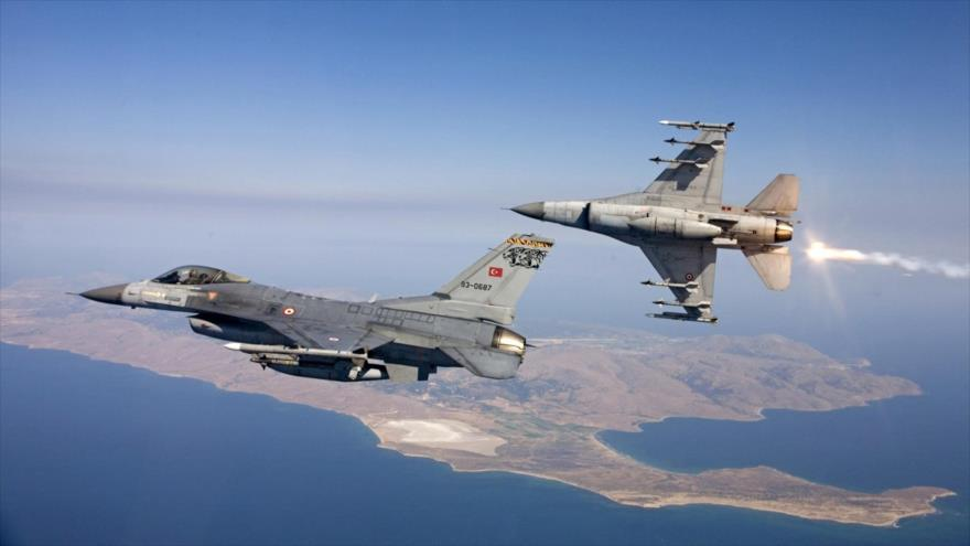 Turquía ataca en Siria posiciones de milicia kurda aliada de EEUU