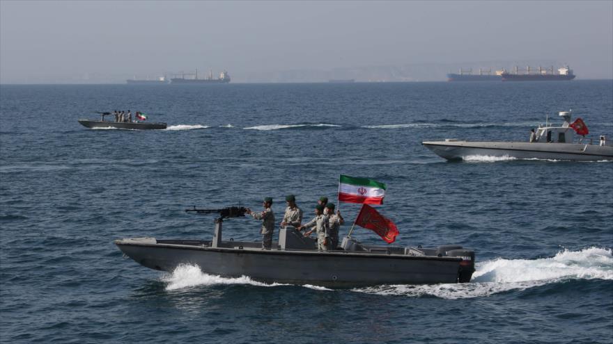 Armada iraní fabricará lanchas rápidas capaces de navegar a 100 kn/h