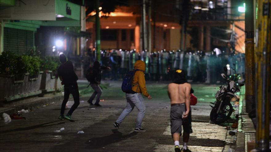 Hondureños exigen renuncia de presidente por nexos con el narco | HISPANTV