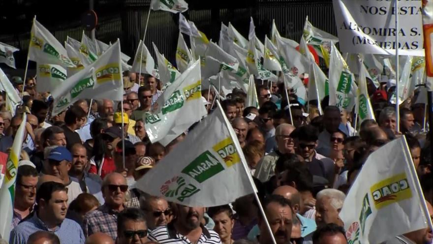 Agricultores españoles protestan contra bajos precios de productos
