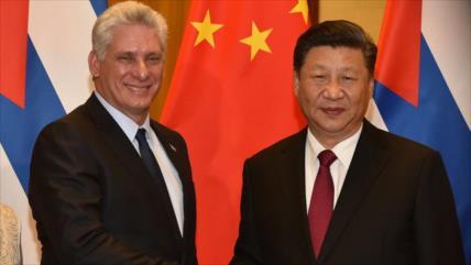 Xi felicita reelcción de su par cubano y llama a estrechar lazos