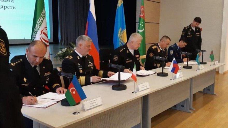 Los comandantes de los países litorales del mar Caspio firman un acuerdo de cooperación militar, San Petersburgo, Rusia, 11 de octubre de 2019. (Foto: IRNA)