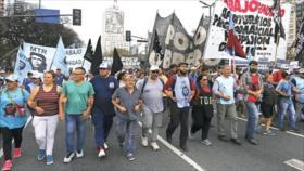 Argentinos se manifiestan contra pobreza, hambre y desocupación