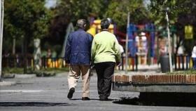 Estudio: Caminar lento a los 45, signo de envejecimiento rápido