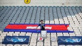 Hincha 'más fiel' del mundo recorrió 6000 km para apoyar a Camboya