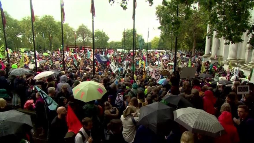 Marcha mundial por el cambio climático reúne a miles de personas