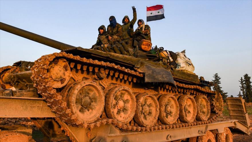 Un tanque del Ejército de Siria desplegado cerca de la ciudad noroccidental de Manbij, 12 de enero de 2019. (Foto: AFP)