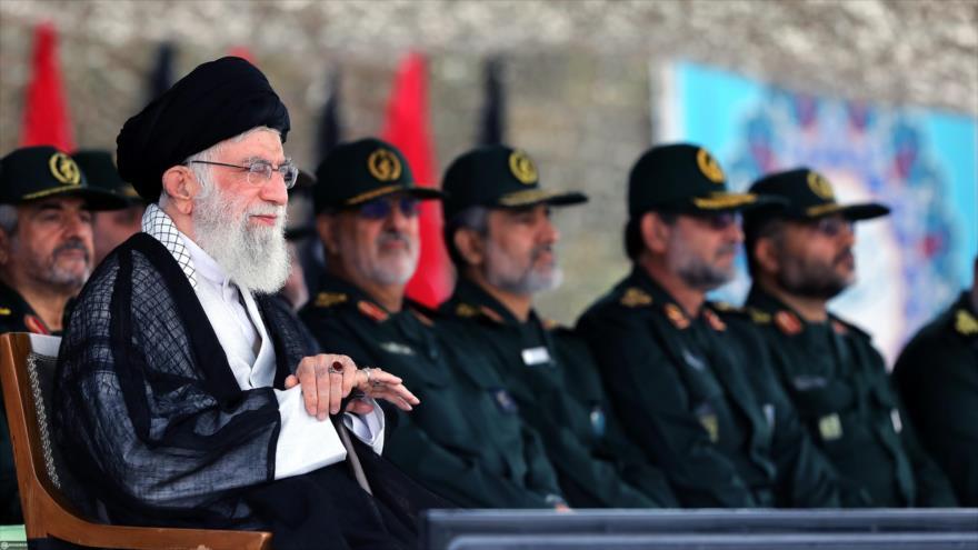 Líder de Irán insta al CGRI la producción de armas modernas | HISPANTV