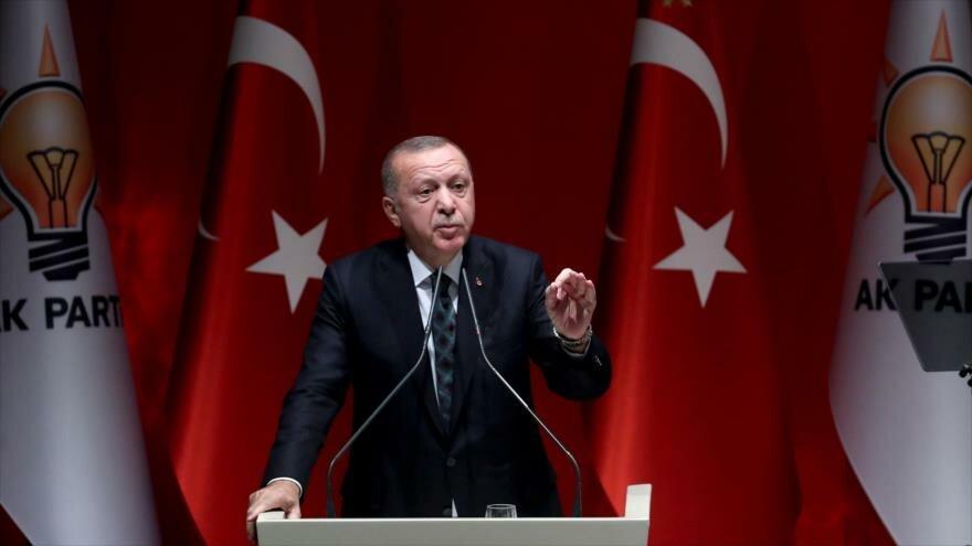 El presidente de Turquía, Recep Tayyip Erdogan, ofrece un discurso en Ankara, la capital, 10 de octubre de 2019. (Foto: AFP)
