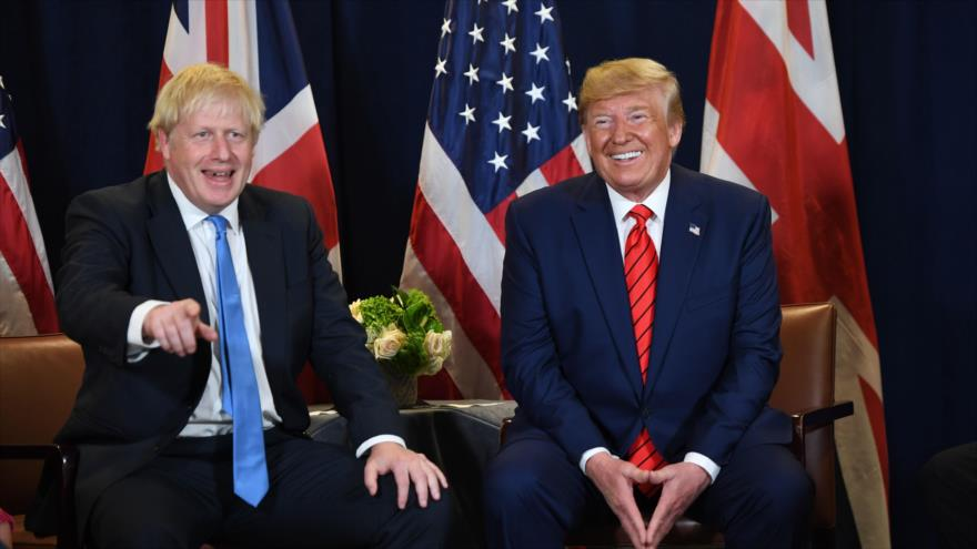El premier británico, Boris Johnson (izq.), y el presidente de EE.UU., Donald Trump, en Nueva York, 24 de septiembre de 2019. (Foto: AFP)