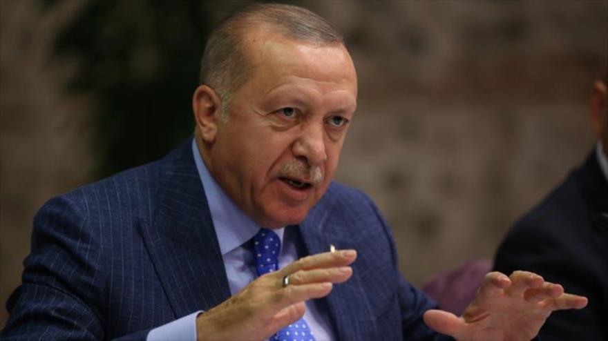 El presidente turco, Recep Tayyip Erdogan, en una reunión con los representantes de la prensa en Estambul, 13 de octubre de 2019. (Foto: tccb.gov.tr)
