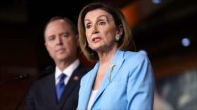 Trump amenaza con demandar a Pelosi y Schiff por querer destituirle