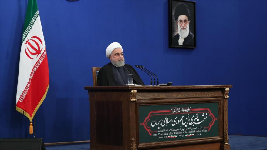 El presidente iraní, Hasan Rohani, ofrece discurso en una rueda de prensa en Teherán, la capital persa, 14 de octubre de 2019. (Foto: President.ir)