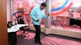 """Maduro celebra """"histórica victoria"""" del pueblo de Ecuador ante FMI"""
