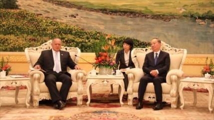 Venezuela y China optan por estrechar lazos militares y económicos