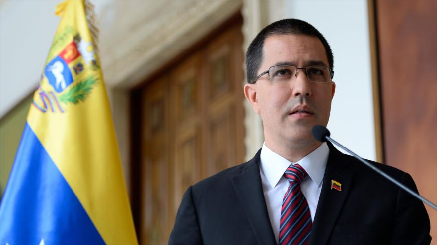 Venezuela acusa a Colombia de querer evadir sus tragedias internas