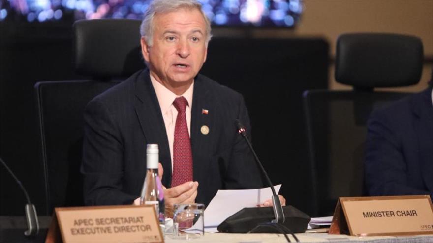 El ministro de Finanzas de Chile, Felipe Larraín, en una reunión previa a la asamblea de APEC, en Santiago, Chile,15 de octubre de 2019. (Foto: apec.org)