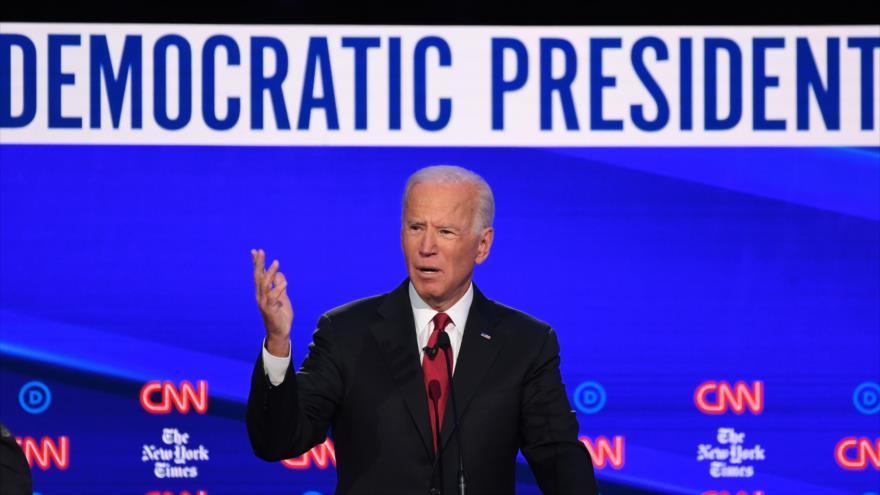 El precandidato demócrata a la Presidencia de EE.UU. Joseph Biden habla en el debate primario de demócratas en Ohio, 15 de octubre de 2019. (Foto: AFP)