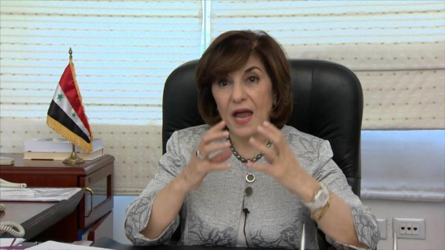 Buzaina Shaaban, la consejera política y de información de la Presidencia siria, en su despacho.