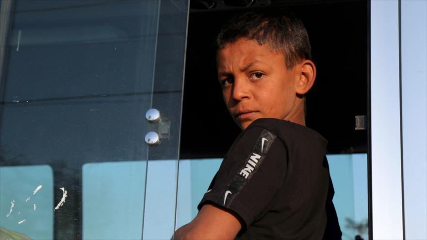 Niño sirio tras la agresión turca: Mamá sácanos fuera